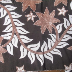 Batik similar to that which Mufidah is dyeing.