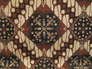 Another design from Yogyakarta showing the Perang and. Kawung motifs.