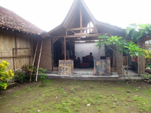 The open barn like studio, where Bambang works.