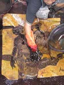 Aprat dyeing batik.