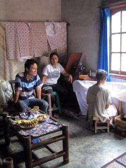 Batik in Mrs Yati's home, with Tatang, mrs Aminah and Mrs Yati.