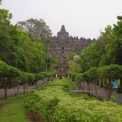 Approaching Borobudur .