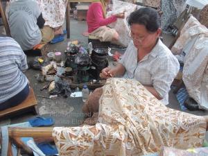 Ladies at work, Danar Hadi factory