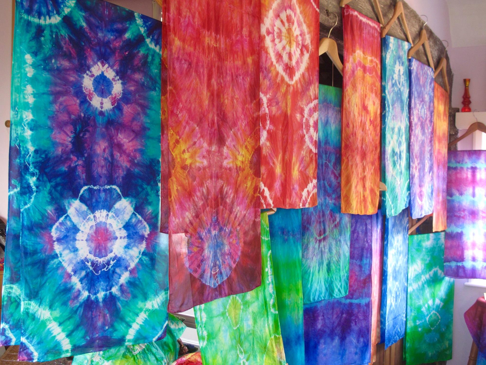 tie dye a colour adventure on silk the batik route. Black Bedroom Furniture Sets. Home Design Ideas